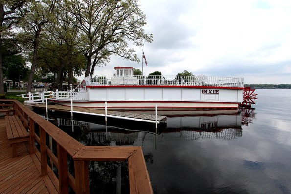Dixie Sternwheel Paddleboat on Webster Lake