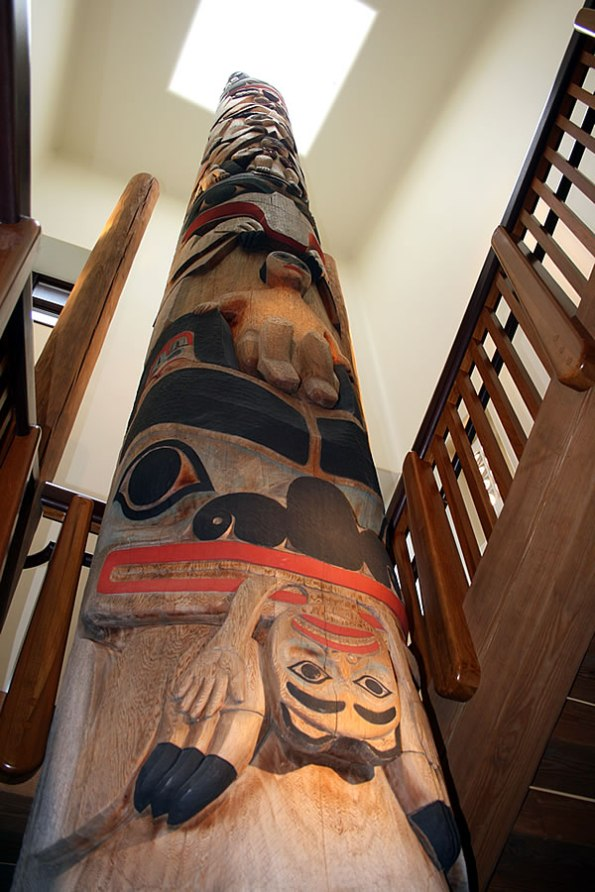 Indianapolis Totem Pole at the Eiteljorg Museum