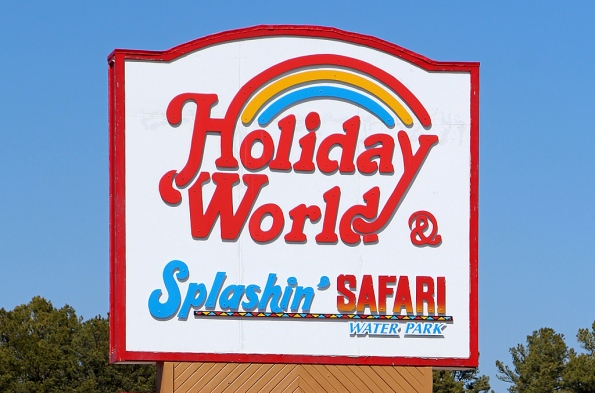 holiday-world-sign