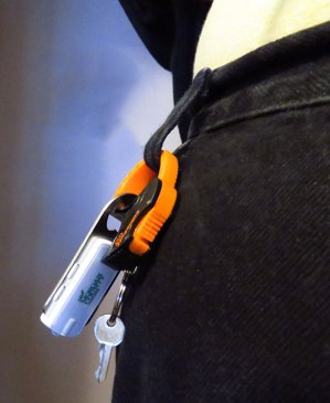 amtrak-cable-cuff-keychain