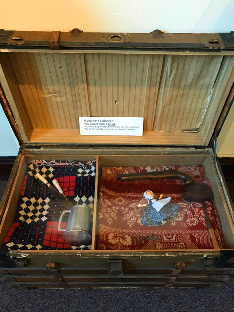 johnson-county-museum-pioneer-trunk