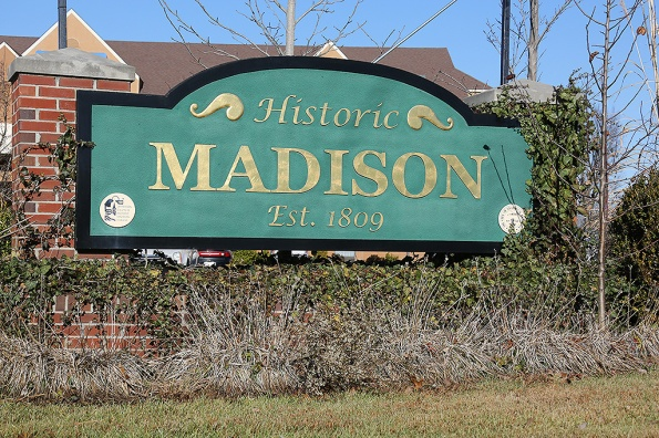 madison-indiana-sign